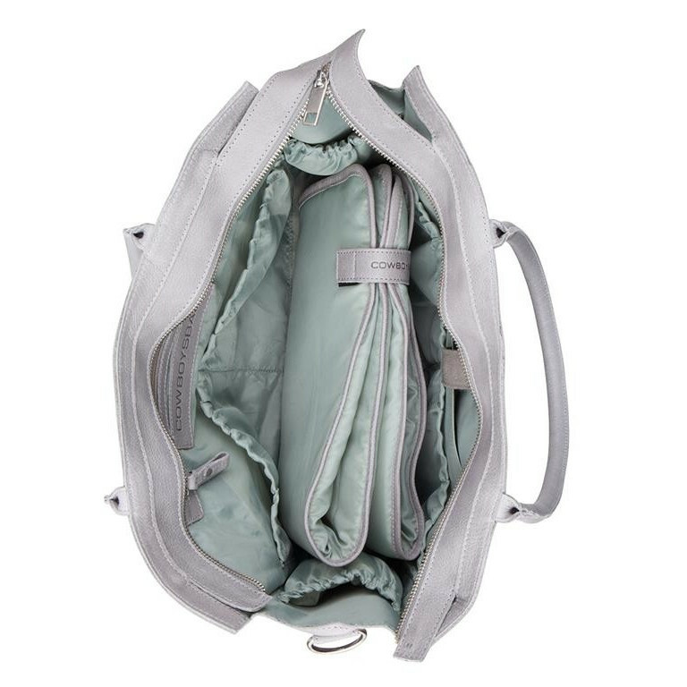 e9a9cd48cbb ... zijkant 8718586583429 Cowboysbag CLEAN LINES DIAPER BAG Tortola, 2051  in de kleur 140 grey, open 8718586583429 ...